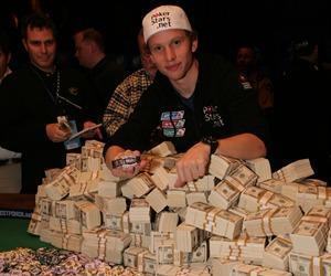 Les joueurs de poker en ligne millionaires